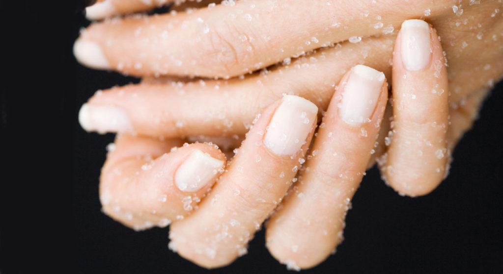 exfoliant mains