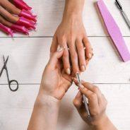 Quels sont les accessoires indispensables d'une prothésiste ongulaire ?