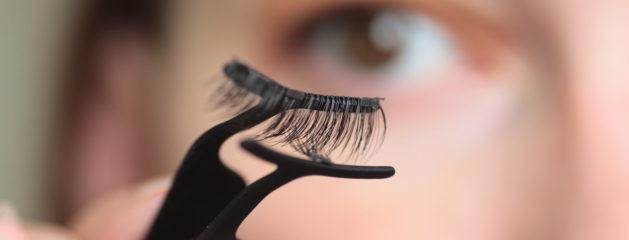 Regard de biche, yeux sublimés, laissez vous tenter par les extensions de cils
